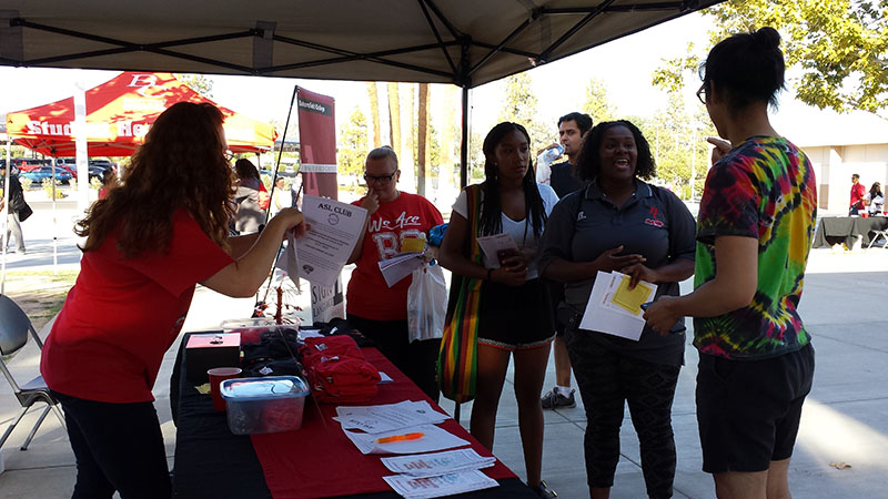 ASL Students at Fall Welcome Week 2015