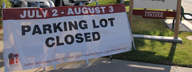 Parking Lot Closure Sign on Campus