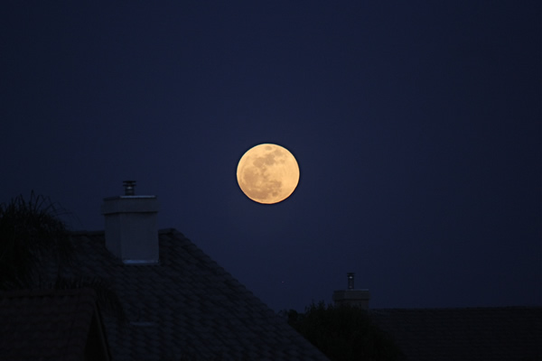 May 5, 2012 full moon rising