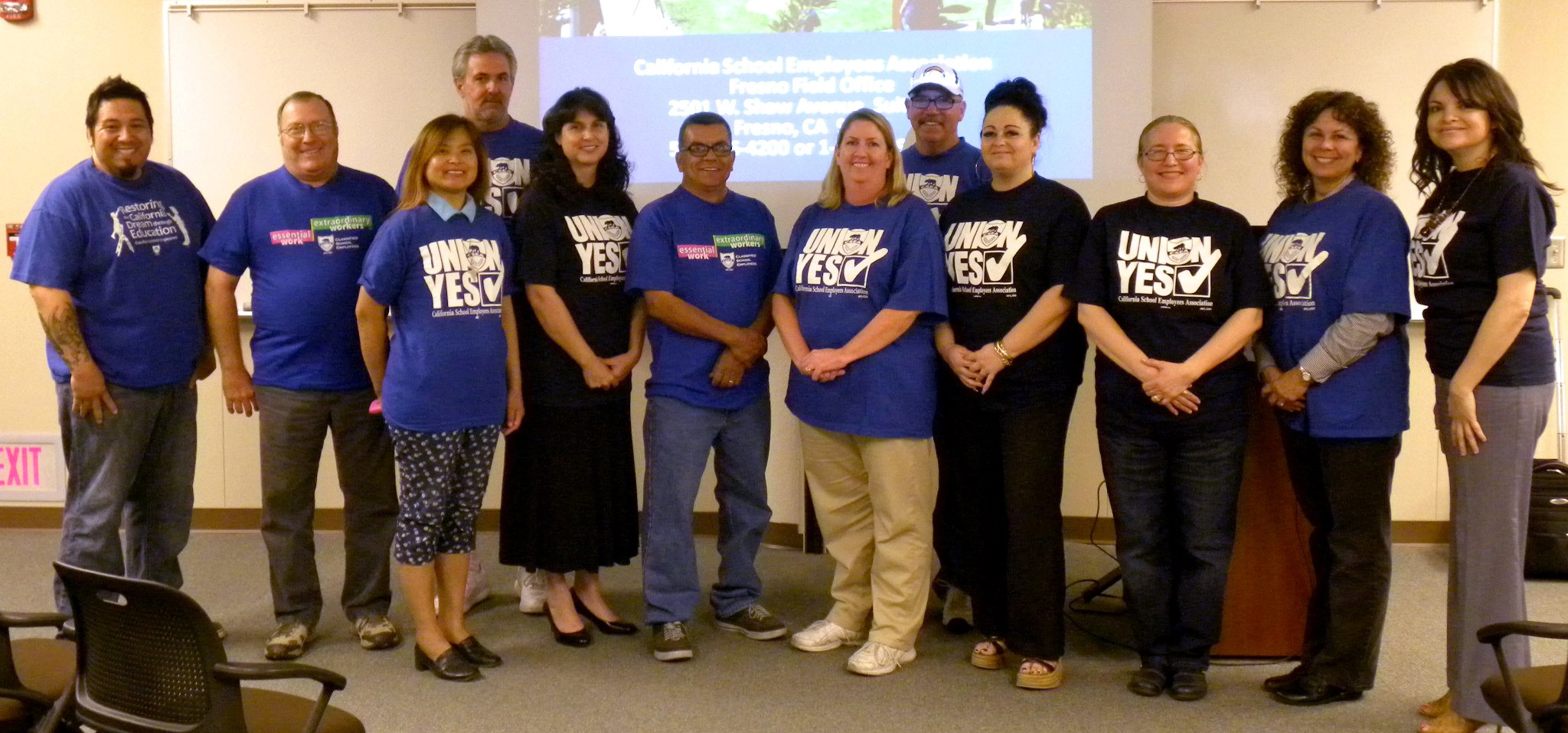 CSEA member with blue shirts