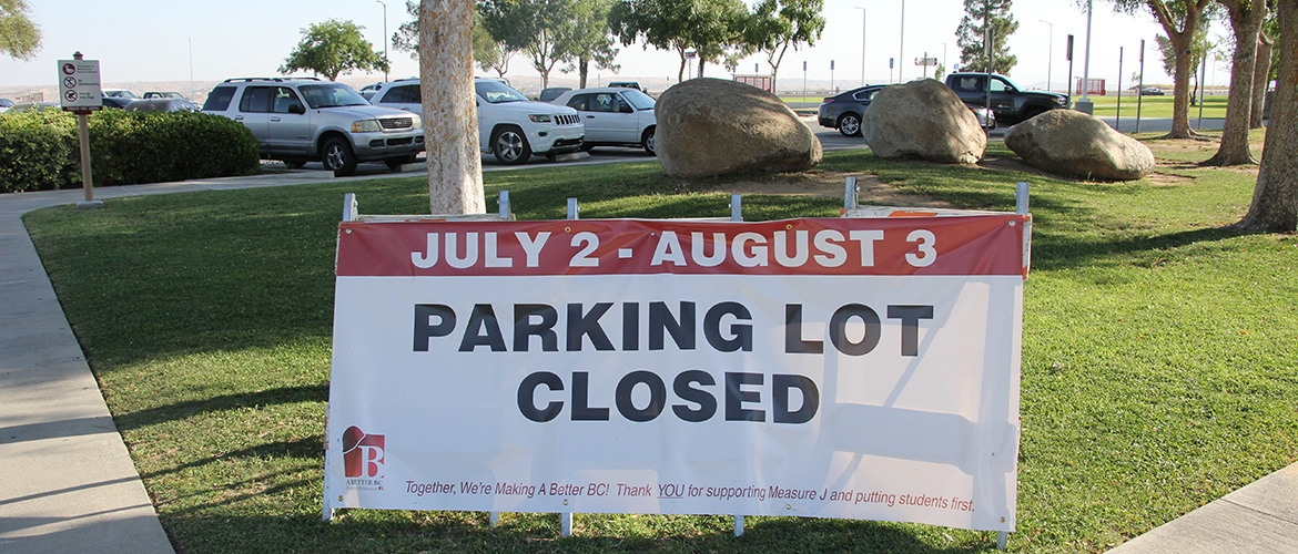 photo of parking lot closure sign