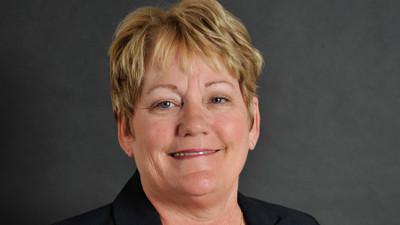 Board Receives Shirley B. Gordon Award of Distinction